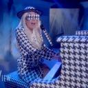 """Lady Gaga chante """"Yoü and I"""" sur le plateau de """"The View"""""""