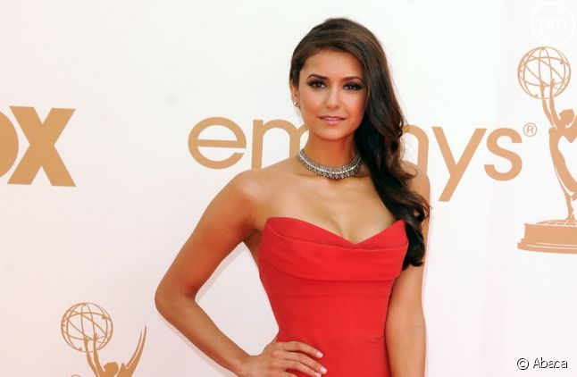 Nina Dobrev aux Emmy Awards 2011
