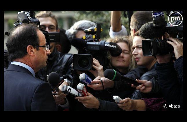 François Hollande face à des journalistes, le 18 octobre 2011, à Paris
