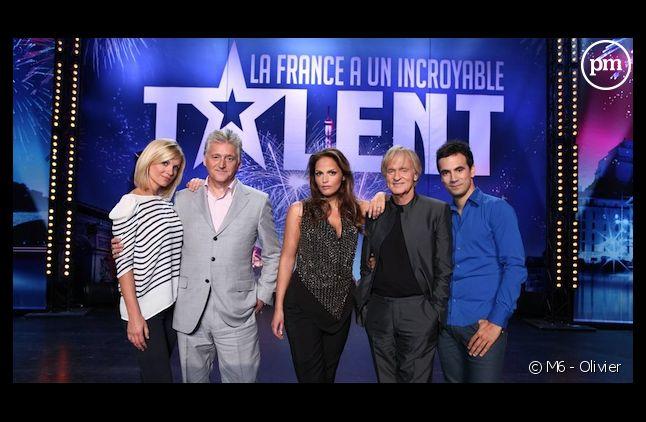 """L'équipe de """"La France a un incroyable talent"""" sur M6"""