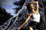 """L'auteur de """"Umbrella"""" de Rihanna a touché 15 millions de dollars"""