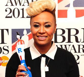 Emeli Sandé sur le tapis rouge des Brit Awards 2012
