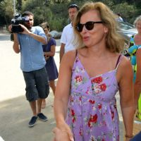 Photos de vacances : Valérie Trierweiler réclame 24.000 euros à Closer, le magazine répond