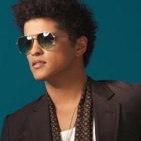 Charts US : Bruno Mars détrône Rihanna et décroche son quatrième numéro un