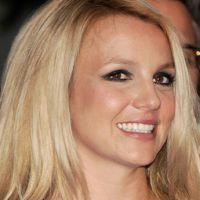 Charts UK : Britney en tête pour la première fois depuis 2004, retour triomphal pour David Bowie