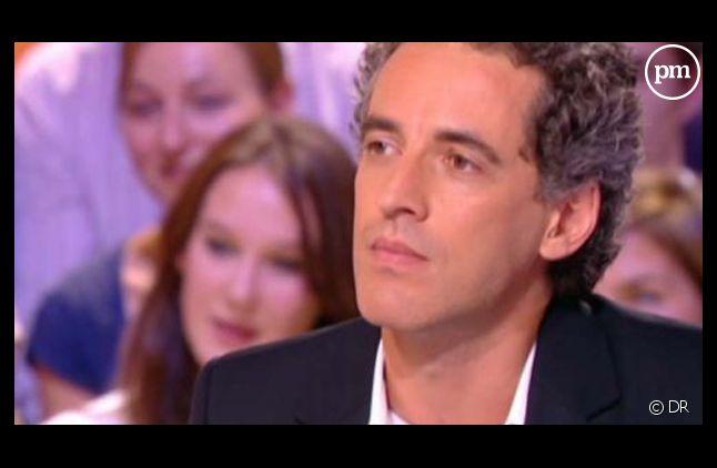 """Ollivier Pourriol, chronique dans """"Le grand journal"""" lors de la saison 2011-2012."""