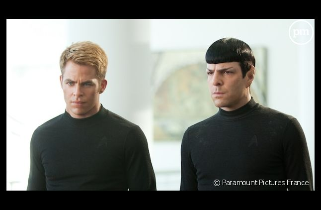 """Star Trek Into Darkness"" démarre en tête du box-office américain"