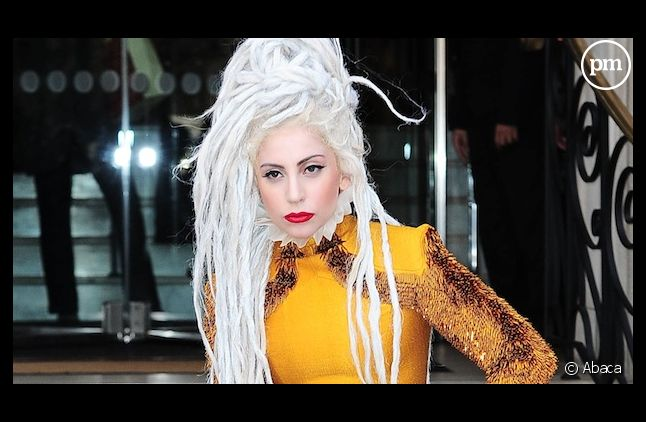 """Lady Gaga se dit """"trahie"""" et s'excuse auprès de ses fans"""