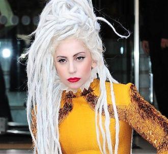 Lady Gaga se dit 'trahie' et s'excuse auprès de ses fans