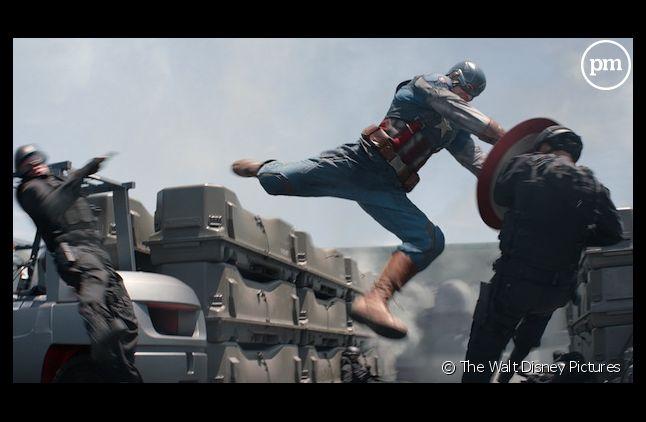 """""""Captain America, le soldat de l'hiver"""" reste en tête du box-office US"""