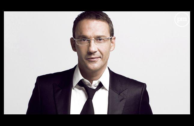 Hors matinale, Julien Courbet (RTL) est le plus écouté meme si son émission souffre.