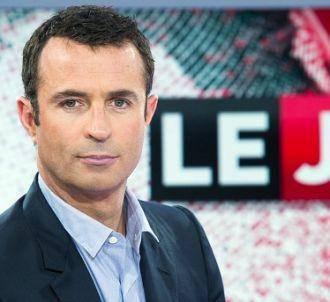 Victor Robert aux commandes du JT semaine de Canal+
