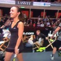 Lourde chute d'Elton John lors d'un match de tennis