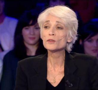 Françoise Hardy raconte sa coloscopie et ses lavements...
