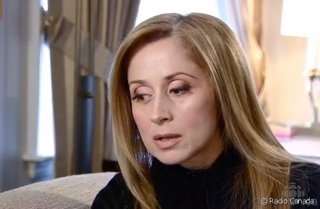 Lara Fabian en interview pour Radio Canada