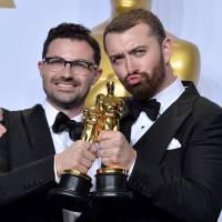 Recadré après une gaffe lors des Oscars, Sam Smith répond sur Twitter