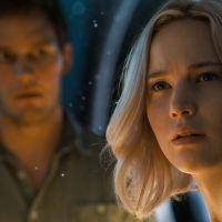 Agacés par une question, Jennifer Lawrence et Chris Pratt quittent une interview en direct