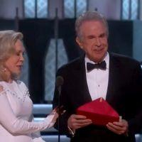 Bourde aux Oscars 2017 : Excuses et enquête après l'annonce du mauvais gagnant