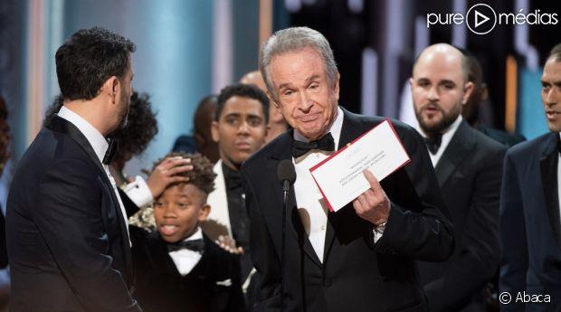 Oscars : Warren Beatty explique pourquoi il s'est trompé !