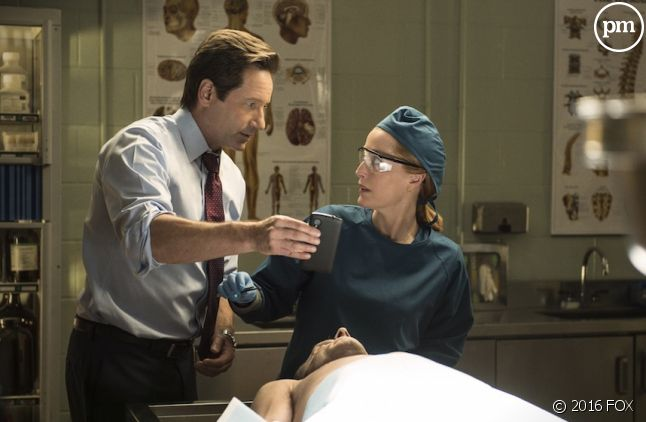 "David Duchovny et Gillian Anderson dans ""X-Files"""