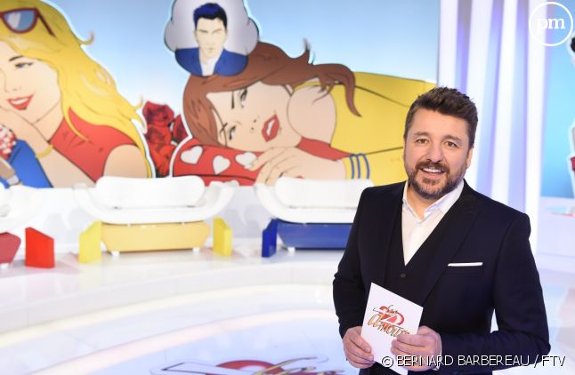 """Bruno Guillon sur le plateau du jeu """"Les Z'amours"""""""