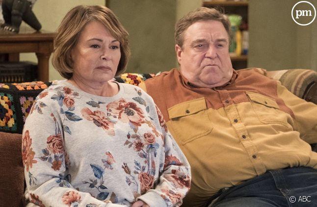 "Roseanne Barr et John Goodman dans ""Roseanne"""