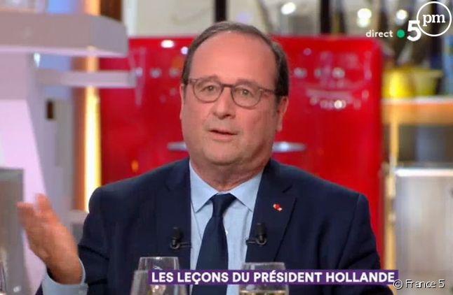 """François Hollande invité de """"C à vous"""""""