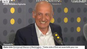 Jean-Michel Aphatie pris d'un fou rire sur franceinfo après un bug