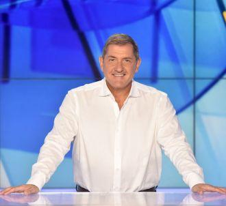 Yves Calvi présente 'L'info du vrai' sur Canal+.