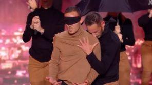 """""""La France a un incroyable talent"""" : Un danseur aveugle émeut le jury aux larmes"""