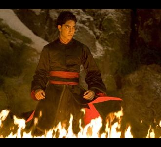 Dev Patel dans 'The Last Airbender : le dernier Maître de...