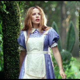 Alice, A Travers Le Miroir