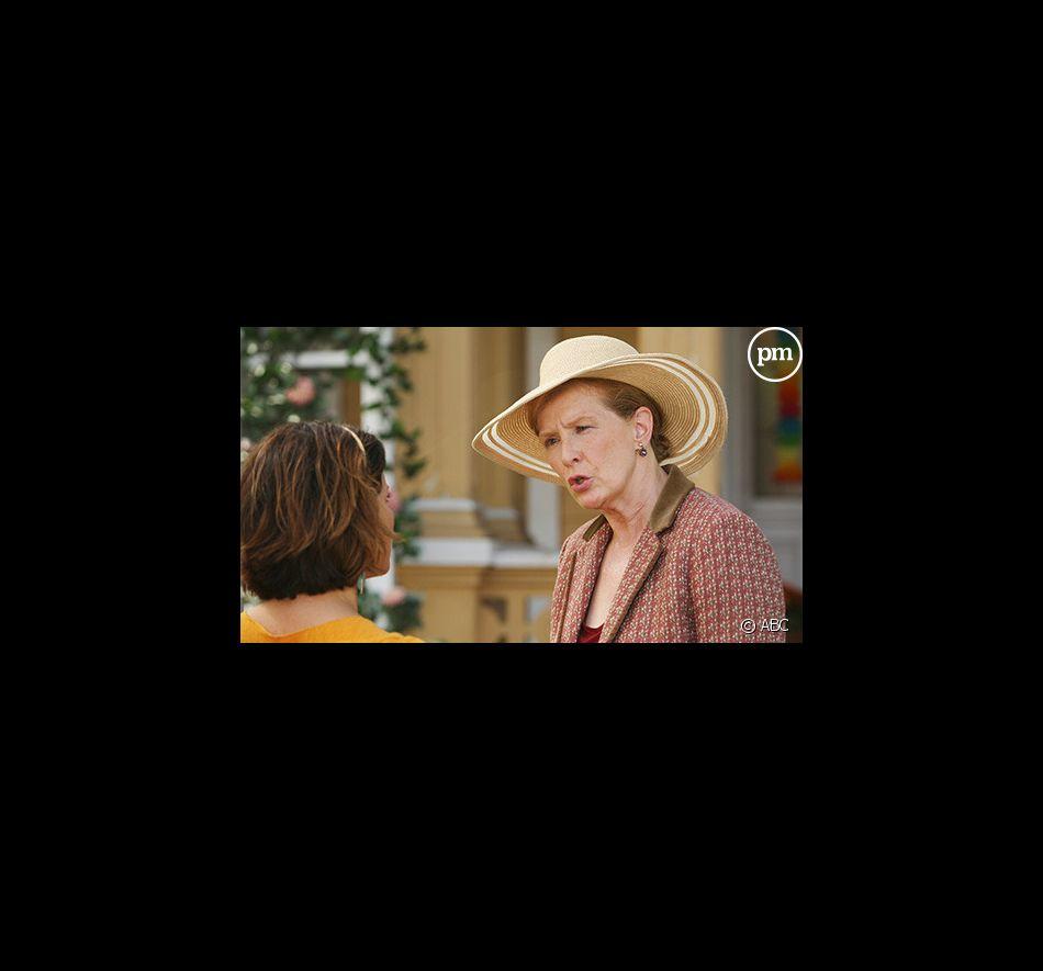 """Eva Longoria Parker et Frances Conroy dans """"Desperate Housewives"""""""