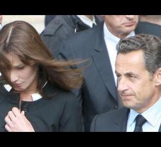 Carla Bruni et Nicolas Sarkozy devant la cathédrale...