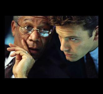 Morgan Freeman et Ben Affleck dans 'La somme de toutes...