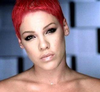 Pink dans le clip de 'There U Go'