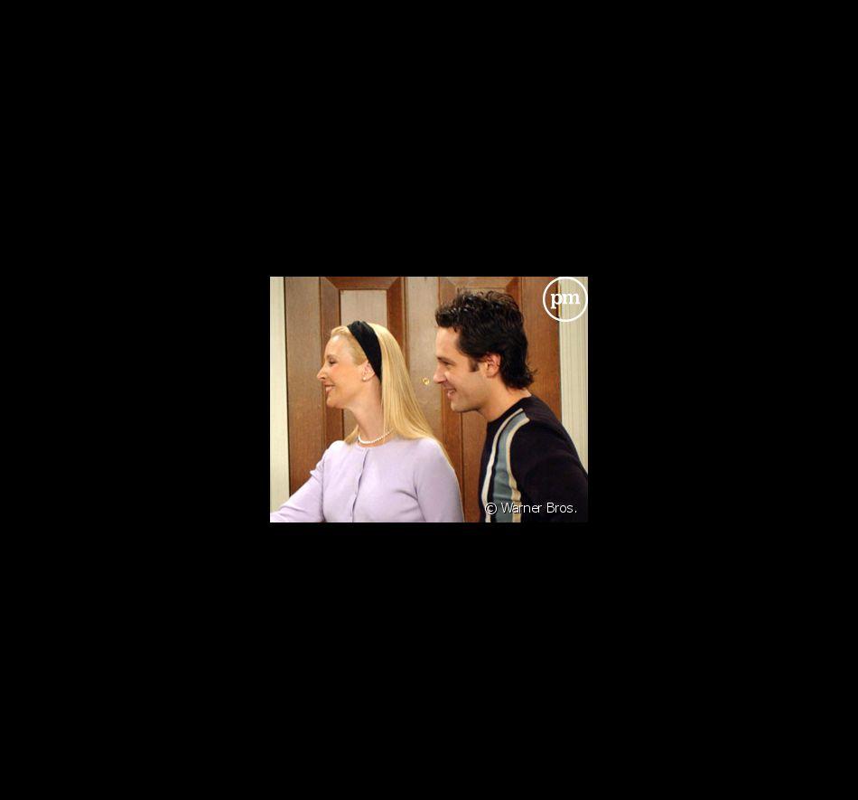 "Lisa Kudrow et Paul Rudd dans ""Friends"""