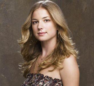 Emily VanCamp est Rebecca Harper dans 'Brothers & Sisters'