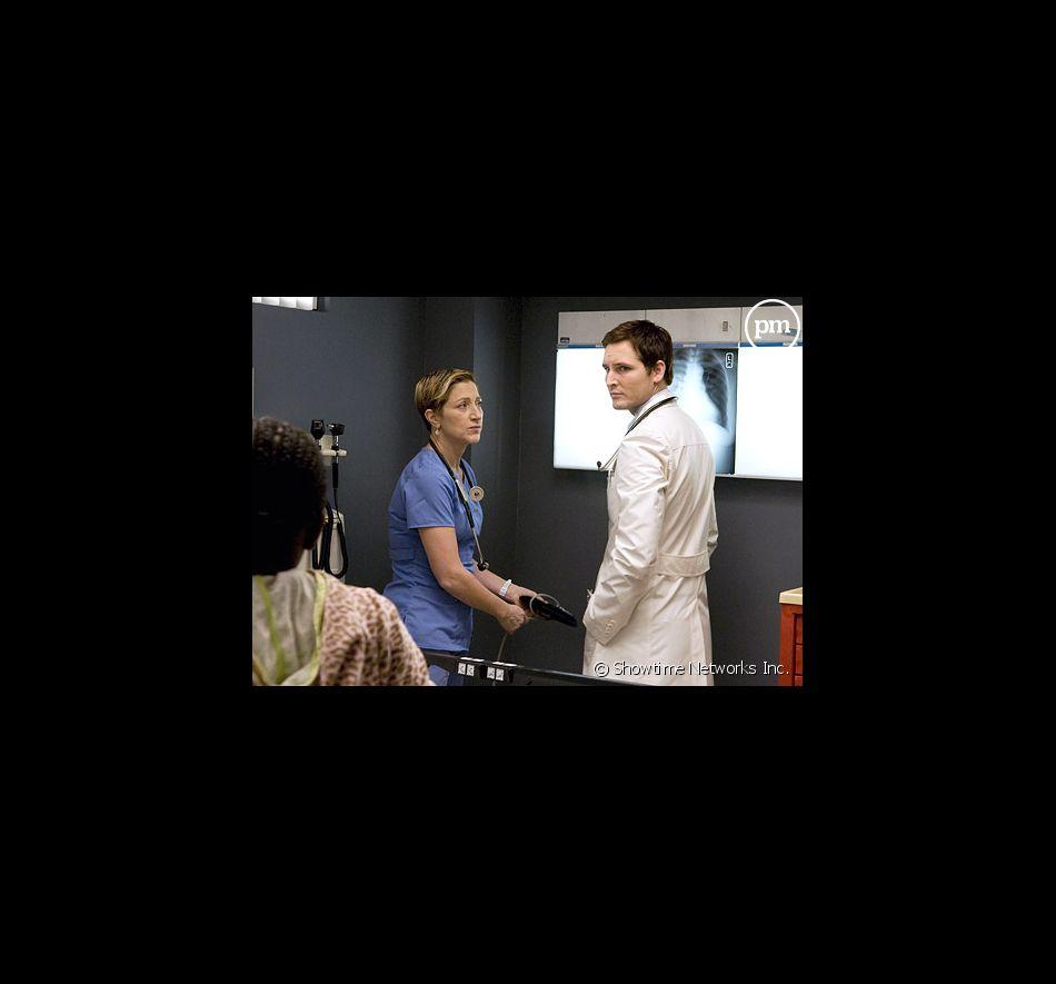 "Edie Falco et Peter Facinelli dans ""Nurse Jackie"""
