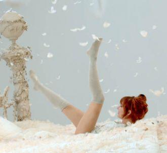 Mylène Farmer dans le clip de 'Appelle Mon Numéro'