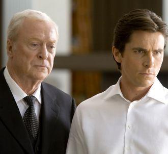 Michael Caine et Christian Bale dans 'Le chevalier noir'