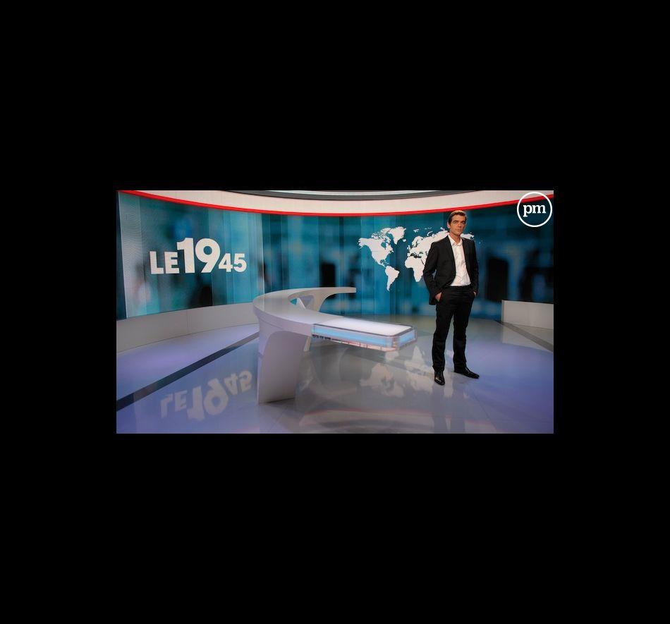 """Xavier de Moulins présente le """"19.45"""" sur M6"""
