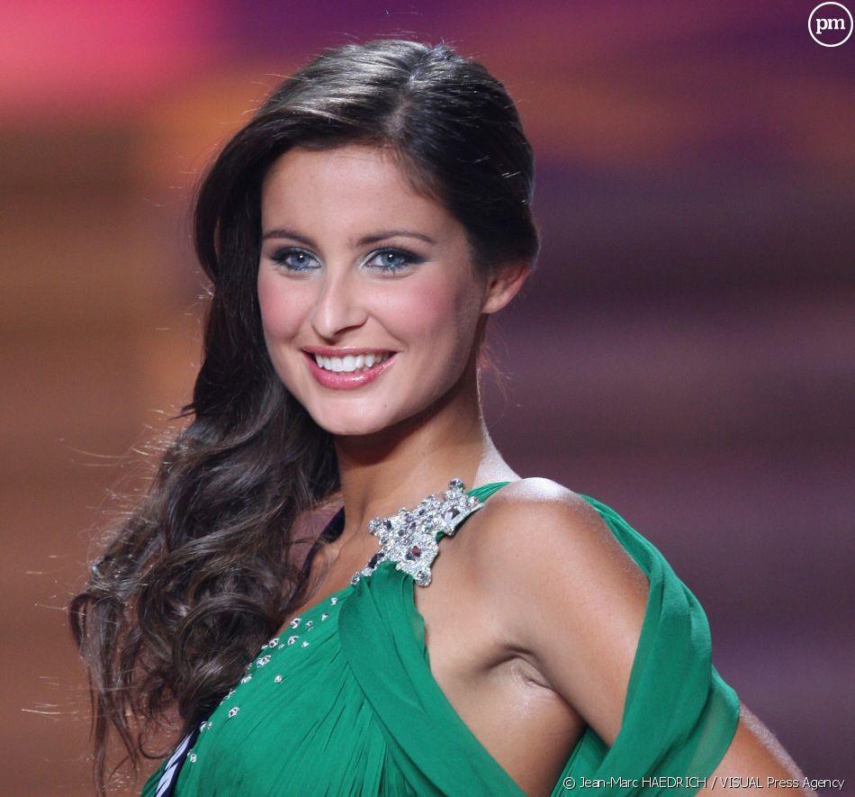 Malika Menard (Miss France 2010)