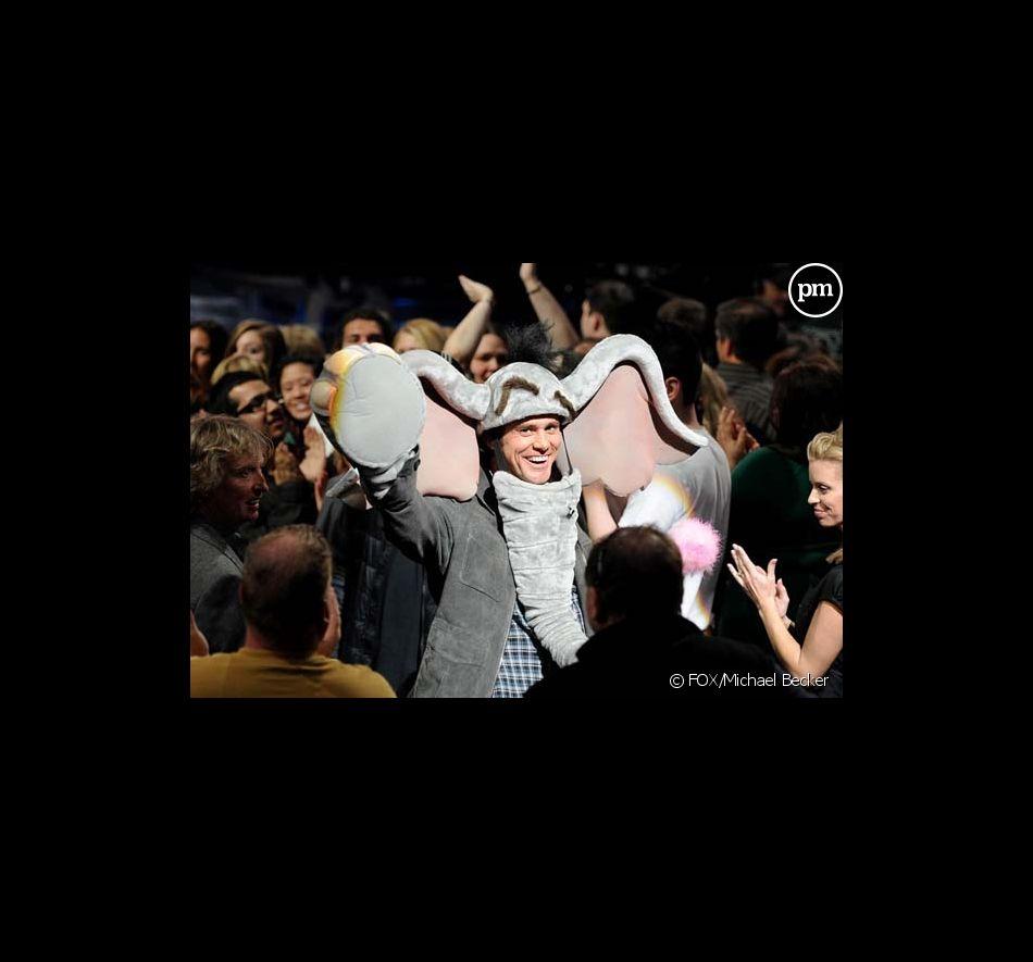 "Jim Carrey fait la promo du film ""Horton"" dans ""American Idol"""
