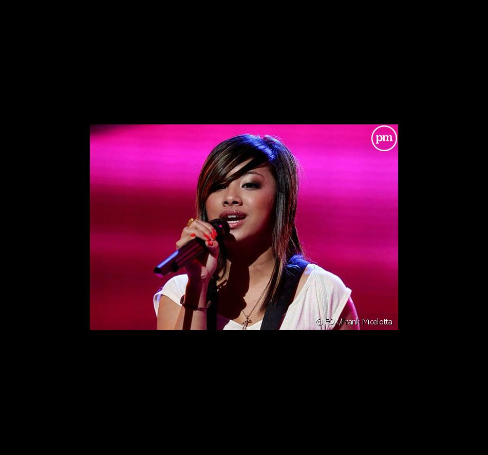 Ramiele Malubay sur le plateau d'American Idol