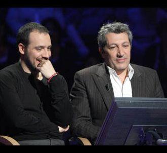 Alexandre Astier et Alain Chabat dans 'Qui veut gagner...