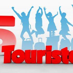 5 touristes
